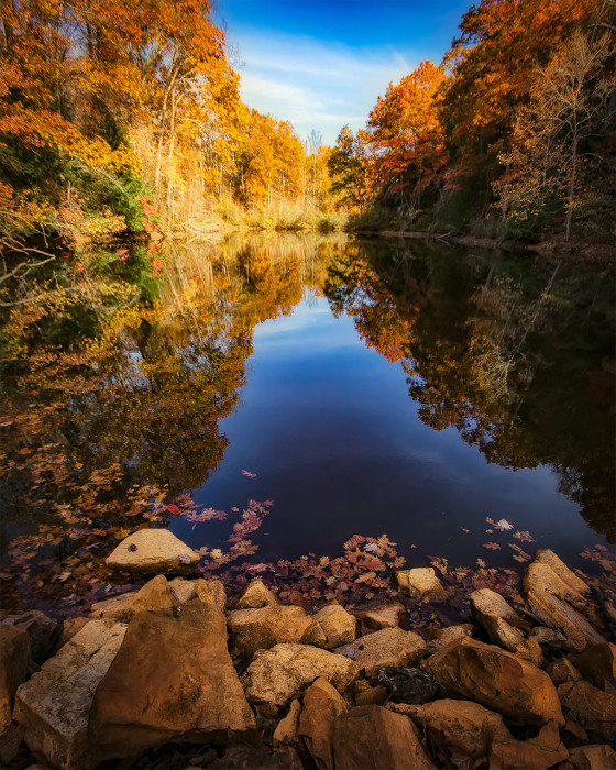 Romona Lake Autumn ISO:100 - f/8 - 11mm - 1/250 sec